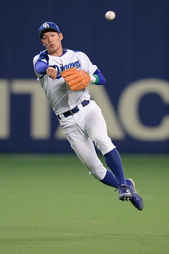 陽太 京田 中日・京田に「常軌を逸してる」ファンドン引き ボールボーイに防具を投げつけ、死球の怒りは2週間前に伏線アリ?
